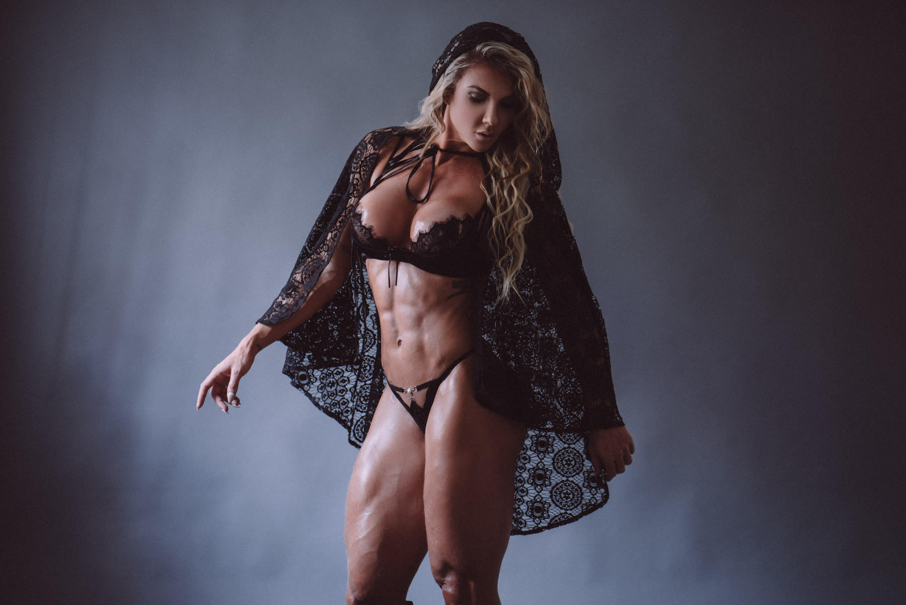 Elaine Ranzatto - Sexy Women Bodybuilder - Fitness Model