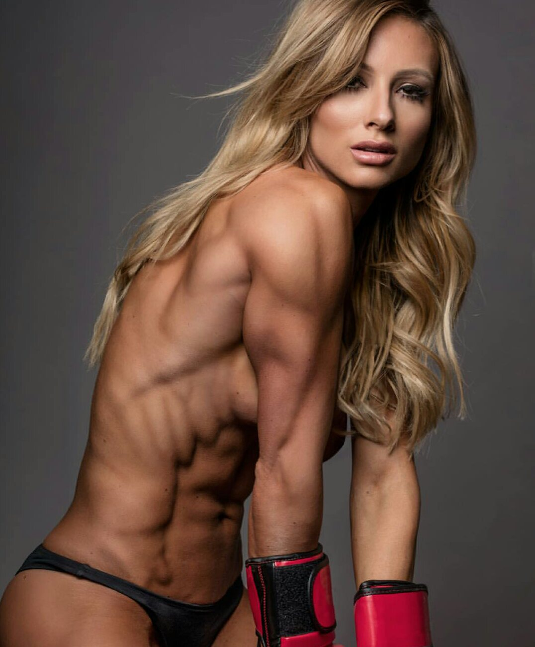 Have Sexy body builder woman picture