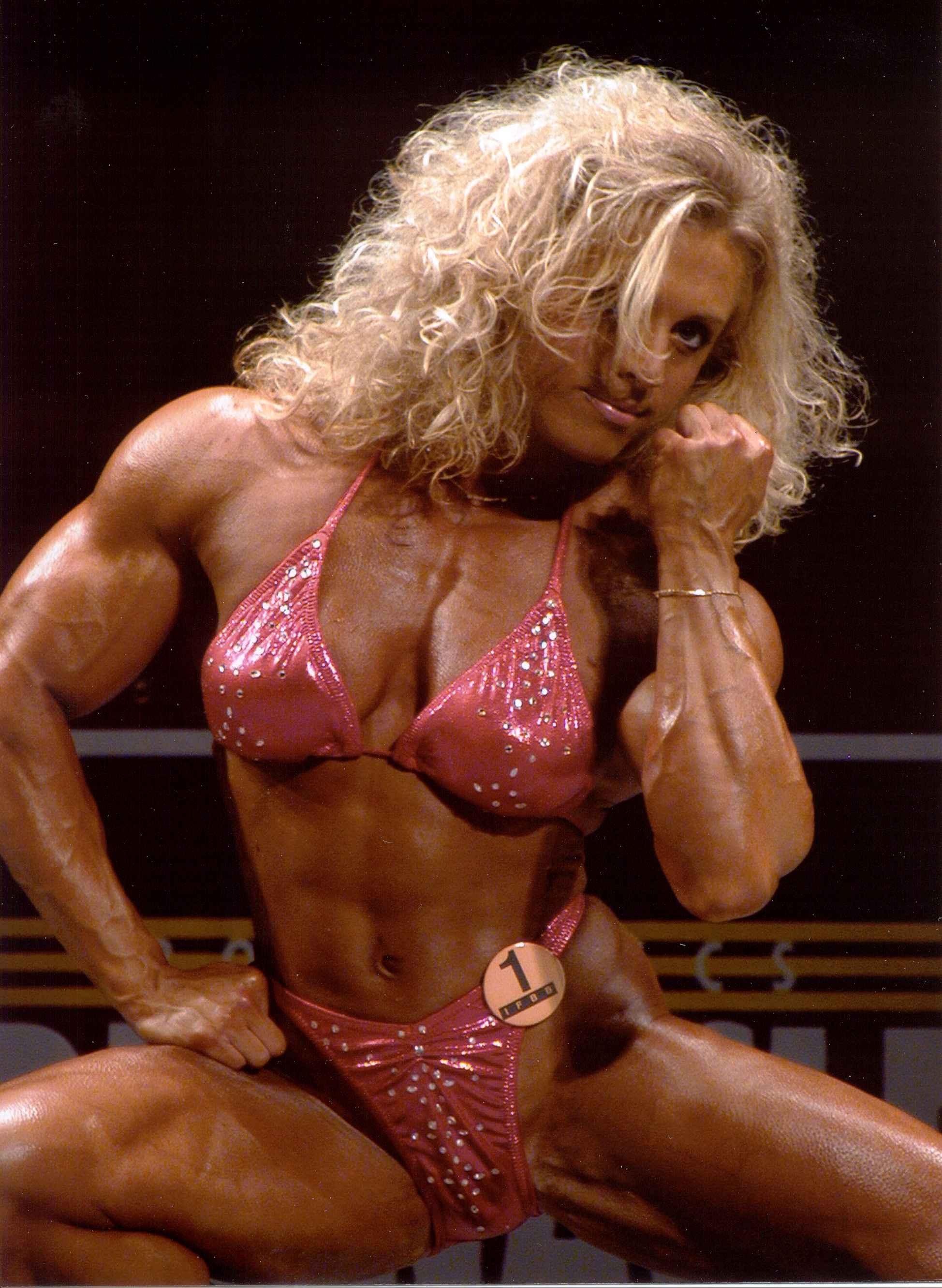 Joanna Thomas - Female Bodybuilder - Women Bodybuildin